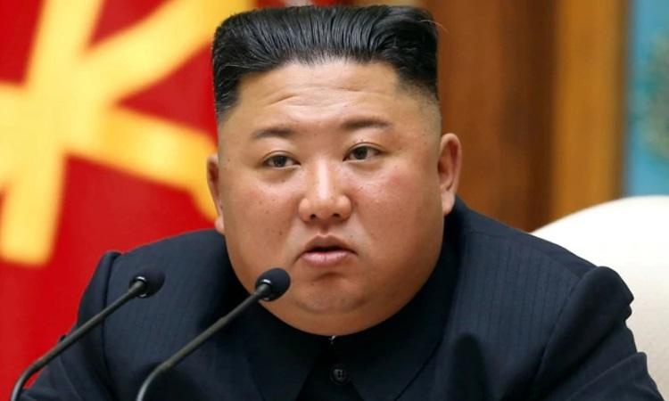 Lãnh đạo Triều Tiên Kim Jong-un chủ trì cuộc họp Bộ Chính trị của đảng Lao động Triều Tiên hôm 11/4. Ảnh: Reuters.