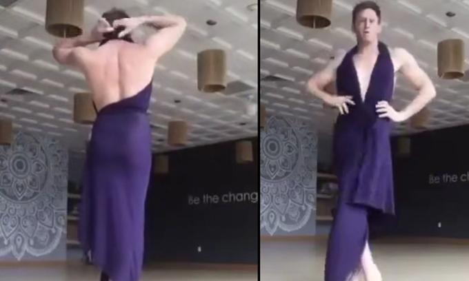 Anh chàng mặc 10 kiểu váy quyến rũ chỉ với một mảnh vải