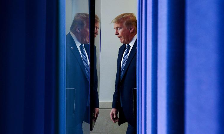 Tổng thống Mỹ Donald Trump tại Nhà Trắng hôm 21/4. Ảnh: Reuters.