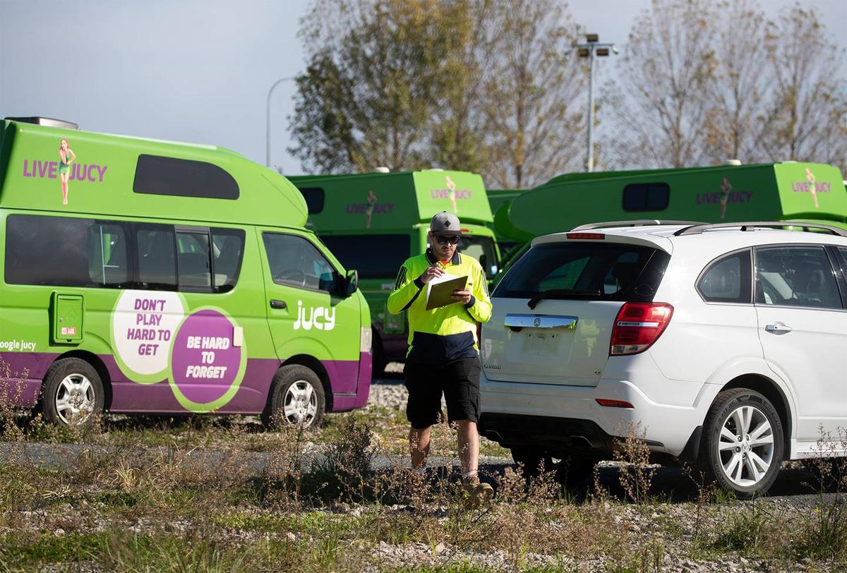 Cảnh sát đã tìm được khoảng 20 xe, trong khi nhiều chiếc khác vẫn mất tích.Ảnh: The New Zealand Herald