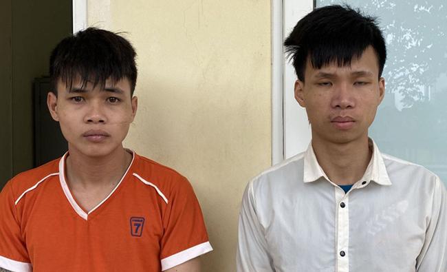 Nghi can Lê Văn Luân và Lê Tuấn Sơn (phải). Ảnh: Lam Sơn.