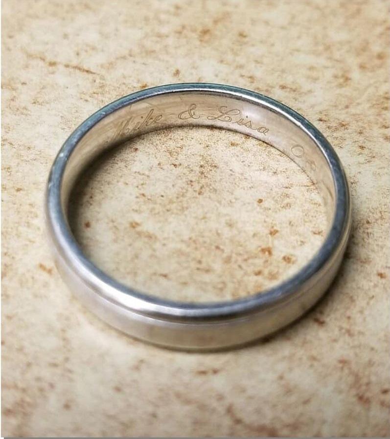 Tìm thấy nhẫn cưới thất lạc lâu nămnhờ nhà hàng tiến hành nâng cấp