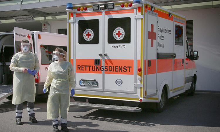 Nhân viên y tế tại Bệnh viện Mühldorf, thành phố Muhldorf, Đức, ngày 9/4. Ảnh: RH24.