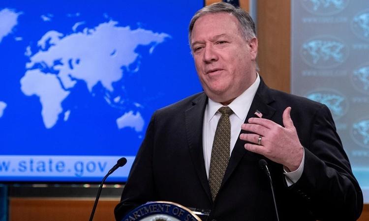 Ngoại trưởng Mỹ Mike Pompeo phát biểu tại một cuộc họp báo ở Bộ Ngoại giao ngày 22/4. Ảnh: Reuters.