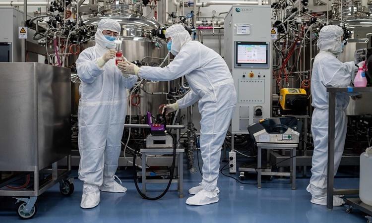 Phòng thí nghiệm của công ty phát triển vaccine Sinovac Biotech ở Bắc Kinh. Ảnh: AFP.
