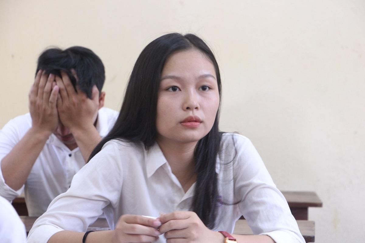 Thí sinh dự thi THPT quốc gia năm 2019 tại Thừa Thiên Huế. Ảnh: Võ Thạnh.