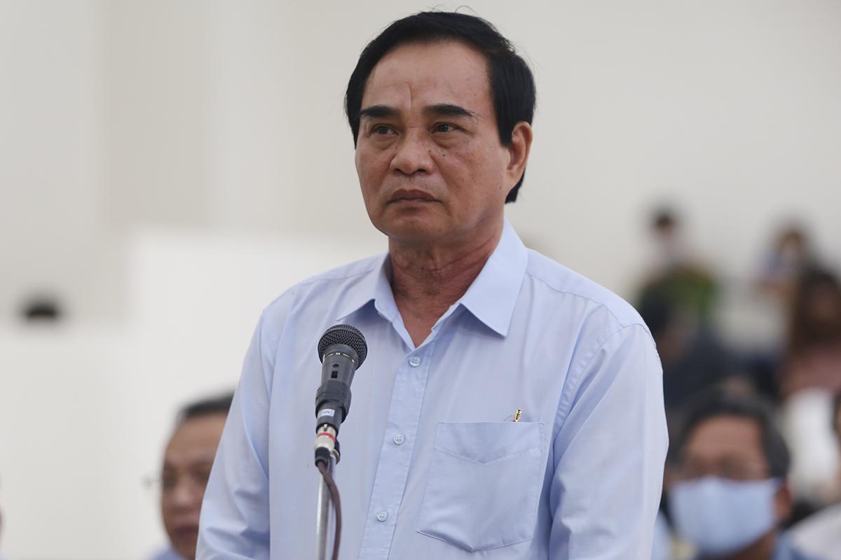 Cựu chủ tịch Văn Hữu Chiến tại phiên toà. Ảnh: Phạm Dự.