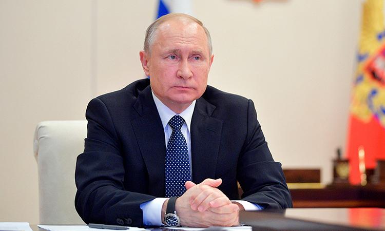 Tổng thống Nga Vladimir Putin chủ trì cuộc họp qua video về các biện pháp chống Covid-19 tại khuNovo-Ogaryovo, ngoại ô Moskva, Nga hôm 7/4. Ảnh: Sputnik.
