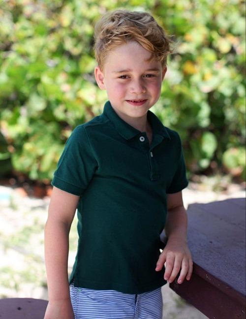 Hoàng tử George dưới ống kính của mẹ nhân dịp sinh nhật 6 tuổi hồi tháng 7/2019. Ảnh: AFP.