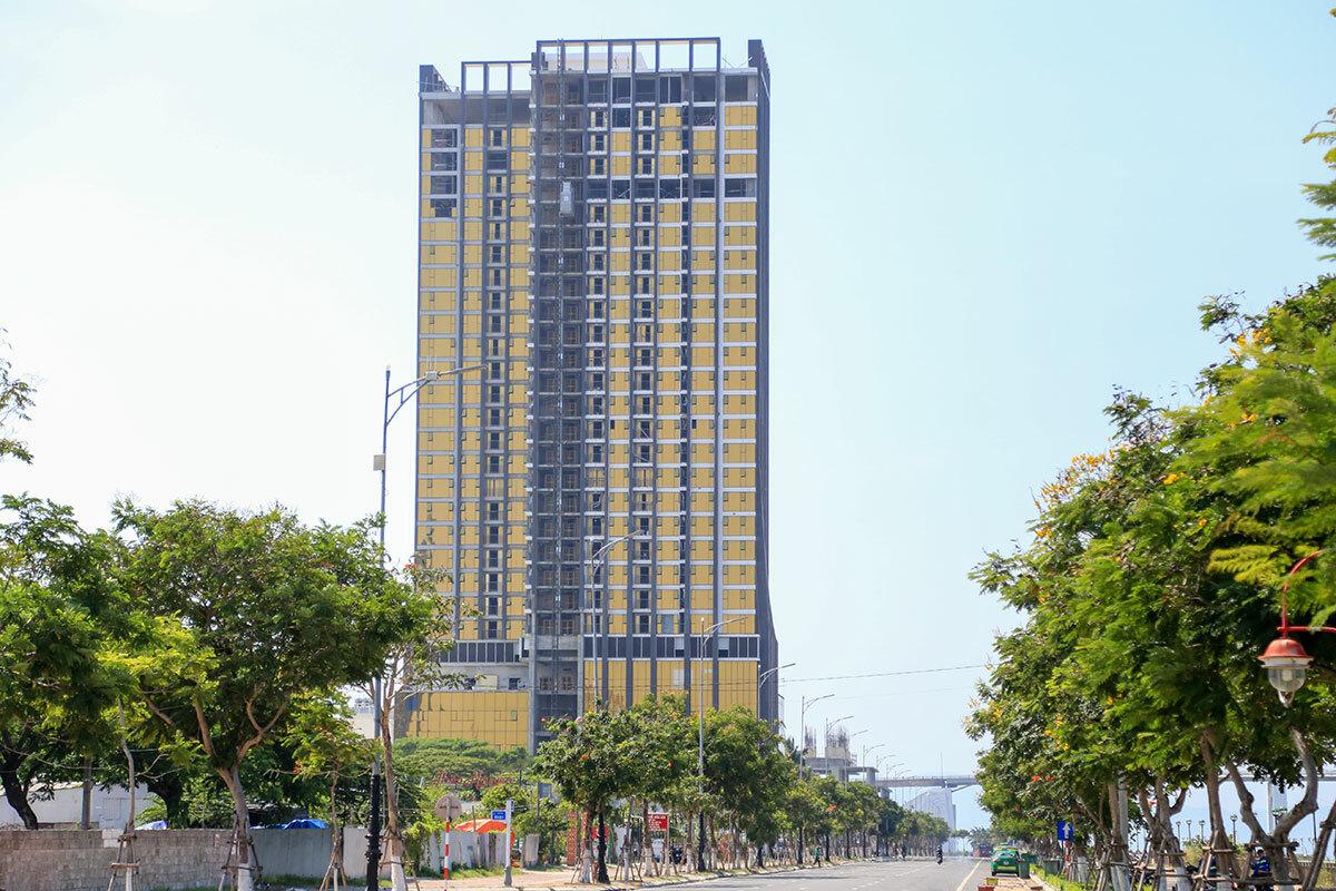 Toà nhà 30 tầng trên đường Như Nguyệt. Ảnh: Nguyễn Đông.