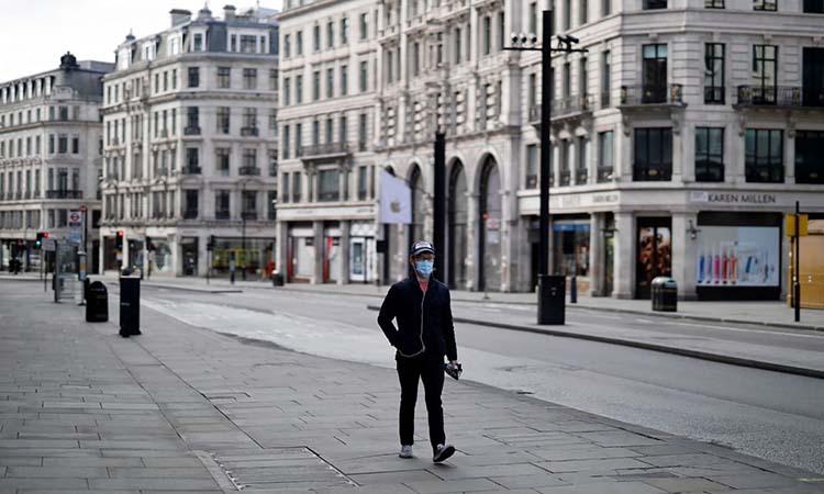 Một con đường vắng lặng tại thủ đô London, Anh, hôm 2/4, khi chính phủ áp lệnh phong tỏa nhằm phòng chống Covid-19. Ảnh: AFP.