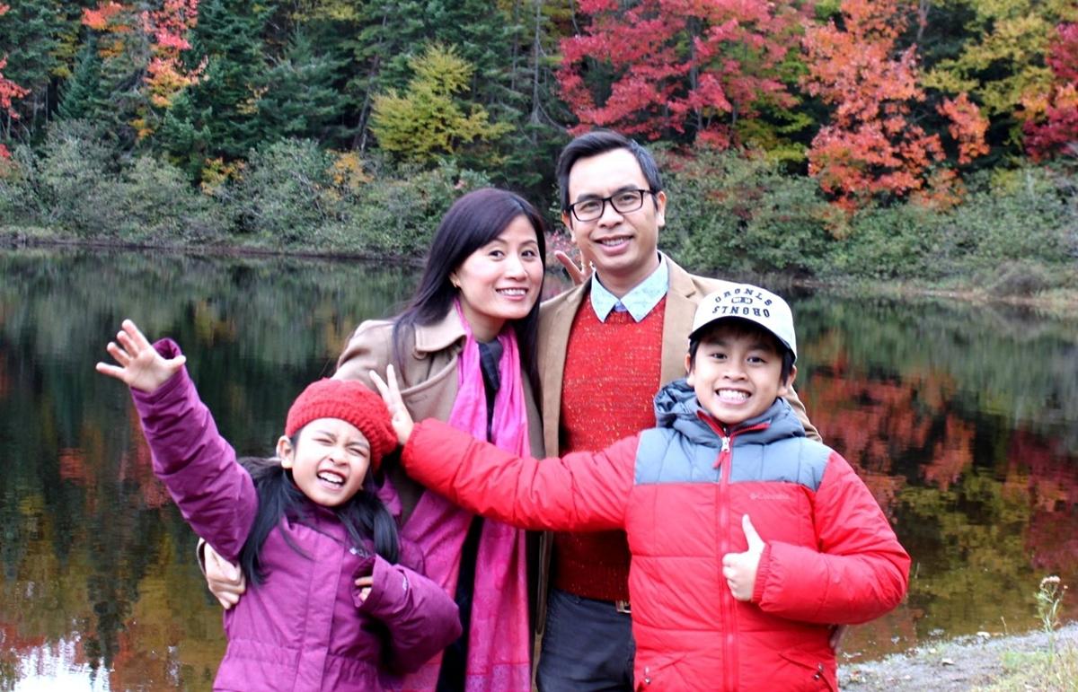 GS Phương và gia đình hiện sinh sống và làm việc tại Canada. Ảnh: Nhân vật cung cấp