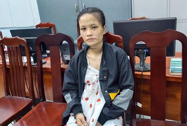 Lê Minh Thư tại cơ quan công an. Ảnh: An Nam.