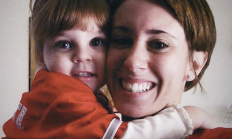 Casey Anthony và con gái Caylee. Ảnh: CNN.