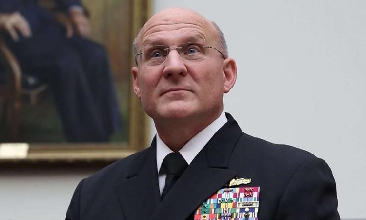 Tham mưu trưởng hải quân Mỹ Michael Gilday xuất hiện trước Ủy ban Quân vụ Hạ viện ở Washington hồi tháng một năm ngoái. Ảnh: AFP.