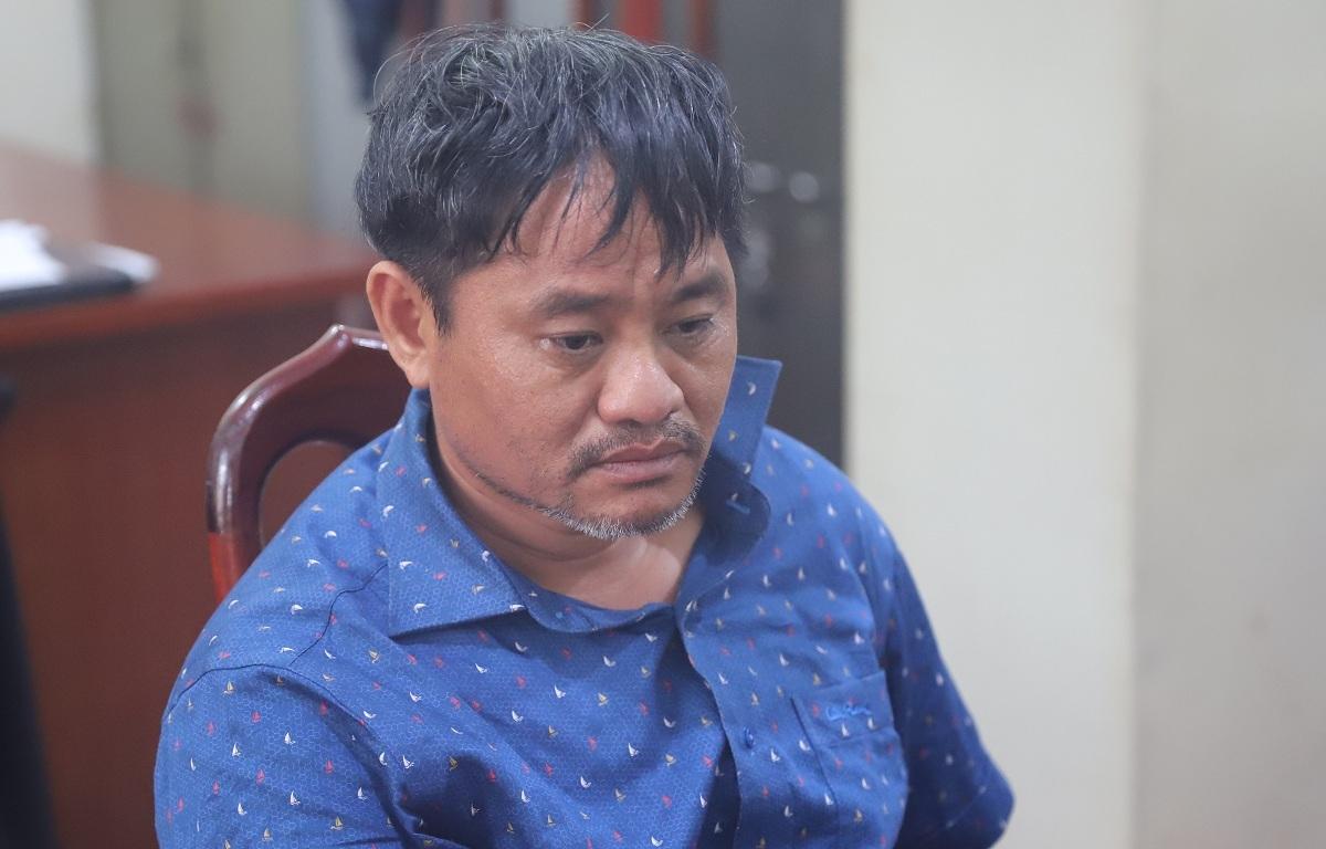 Bí thư xã Đỗ Văn Minh tại cơ quan điều tra. Ảnh: Công an cung cấp.