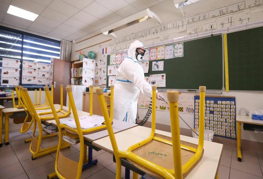 Trường học pháp tổng vệ sinh, chuẩn bị đón trẻ đi học trở lại. Ảnh: Franceinter.