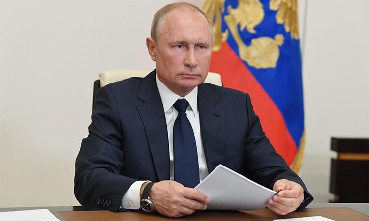 Tổng thống Nga Vladimir Putin trong cuộc họp trực tuyến với các quan chức, ngày 11/5. Ảnh: Điện Kremlin.