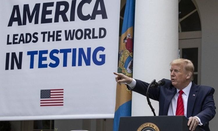 Tổng thống Mỹ Donald Trump tại cuộc họp báo ở Vườn Hồng, Nhà Trắng, ngày 11/5. Ảnh: AP.