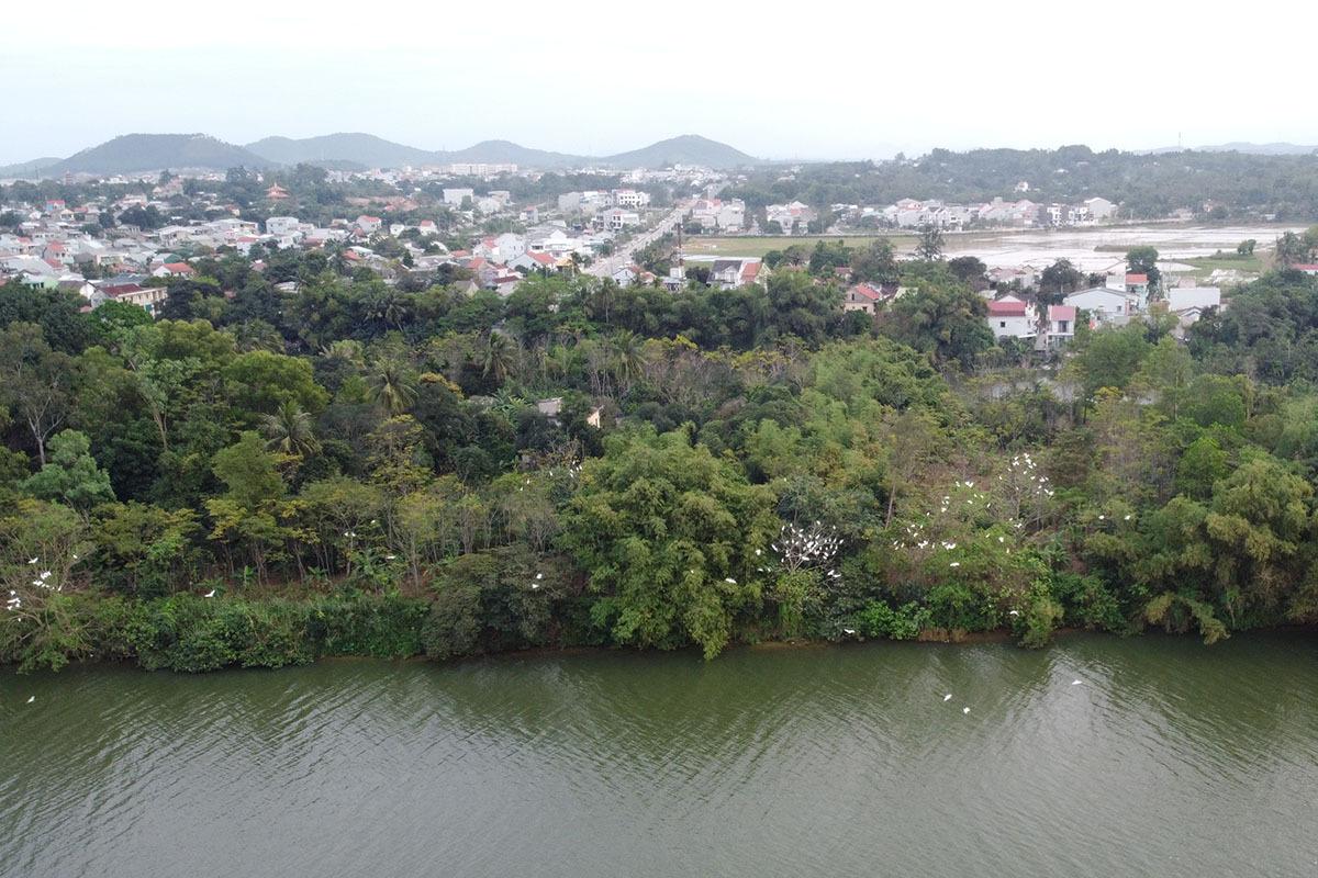 Tuyến đường dọc bờ nam sông Hương sẽ xây dựng với tổng kinh phí hơn 120 tỷ đồng. Ảnh: Võ Thạnh