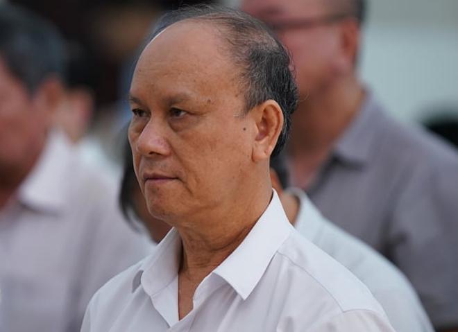 Cựu chủ tịch Trần Văn Minh nghe tuyên án. Ảnh: Xuân Hoa