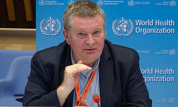 Tiến sĩ Mike Ryan trong cuộc họp báo tại Geneva, Thụy Sĩ hôm 11/5. Ảnh: AFP.