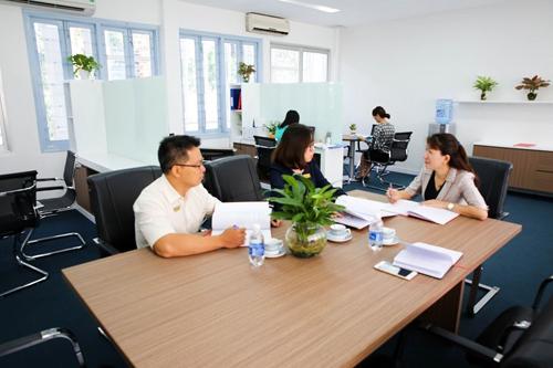 Thầy cô Trường Đại học Kinh tế TP HCM trao đổi về công tác đào tạo