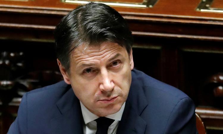 Thủ tướng Italy Giuseppe Conte trong một phiên họp của quốc hội về Covid-19 tại thủ đô Rome hôm 21/4. Ảnh: Reuters.