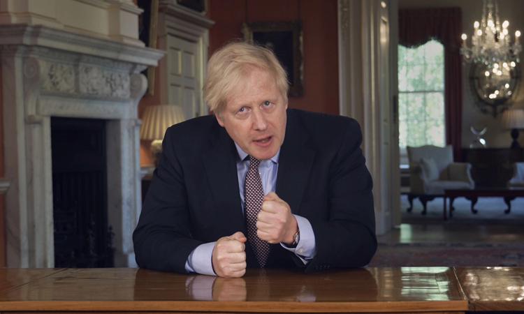 hủ tướng Anh Boris Johnson tại số 10 phố Downing, hôm 10/5. Ảnh:AP.