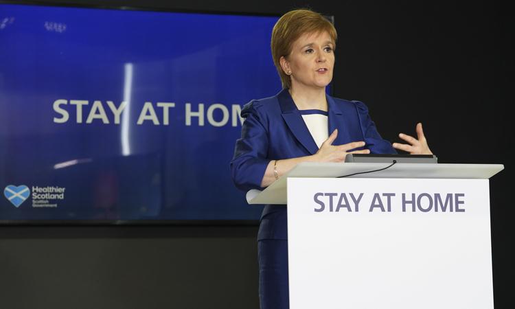 Thủ hiến ScotlandNicola Sturgeon phát biểu tạiEdinburgh, ngày 11/5. Ảnh:North Edinburgh News.