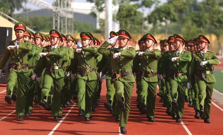 Học viên Cảnh sát nhân dân tổng duyệt cho lễ đón nhận danh hiệu anh hùng tháng 5/2018. Ảnh: Gia Chính