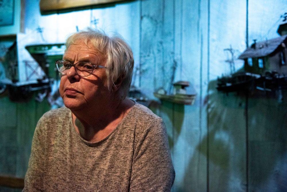 Carol Dodge nhiều đêm thức trắng để nghiên cứu về ADN. Ảnh: BBC.