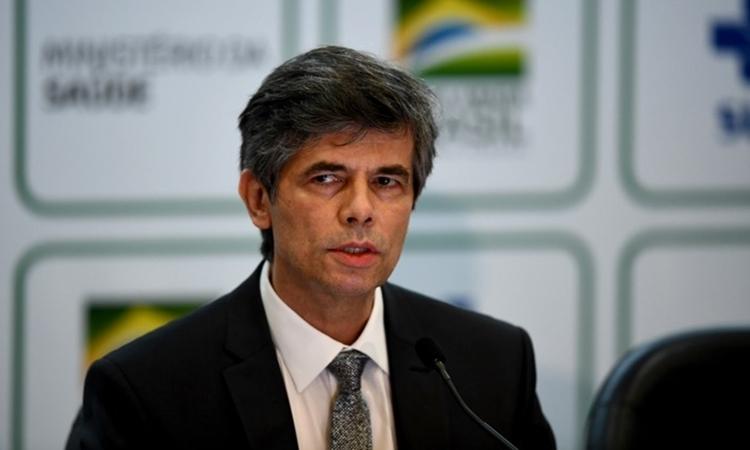 Bộ trưởng Y tế Brazil Nelson Teich tại cuộc họp báo ởBrasilia ngày 15/5. Ảnh: AFP.