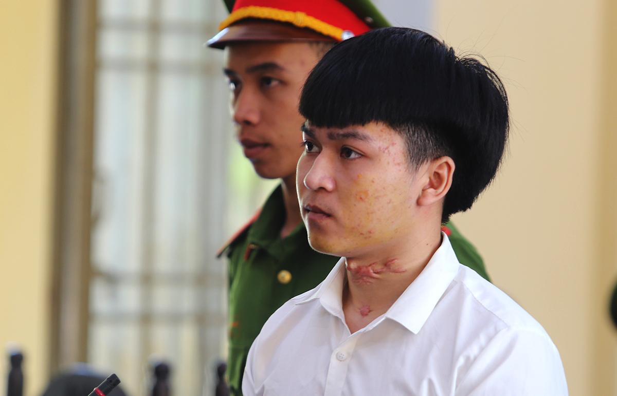 Trần Anh Quốc tại phiên tòa sơ thẩm, sáng 16/5. Ảnh: Đắc Thành.