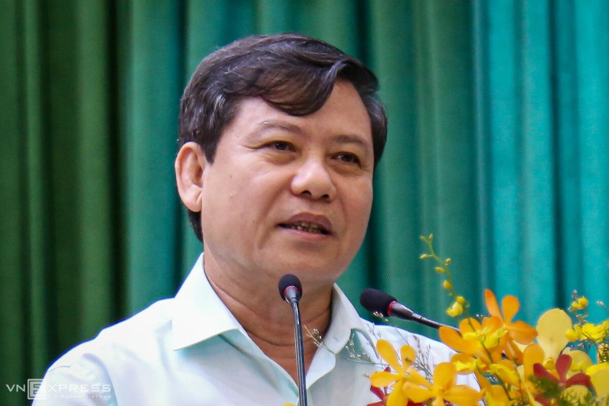 Viện trưởng VKSND Tối cao Lê Minh Trí tại cuộc tiếp xúc cử tri sáng nay. Ảnh: Hữu Công.
