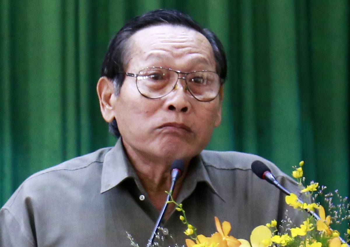 Cử tri Nguyễn Lâm Sanh nói về pháp lý liên quan kháng nghị của VKSND Tối cao. Ảnh: Hữu Công.