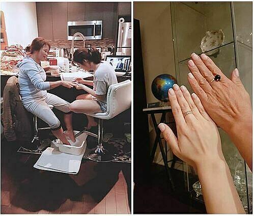 Hình ba chụp khi tôi đang làm nails cho mẹ khi họ sang Canada dự lễ tốt nghiệp của tôi. Ảnh: Tác giả cung cấp.