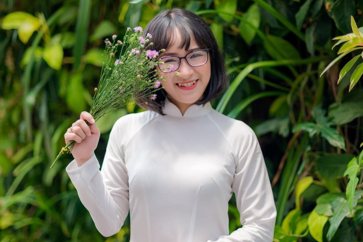 Phan Thị Thùy An trong buổi chụp ảnh kỷ yếu tốt nghiệp đại học. Ảnh: Nhân vật cung cấp