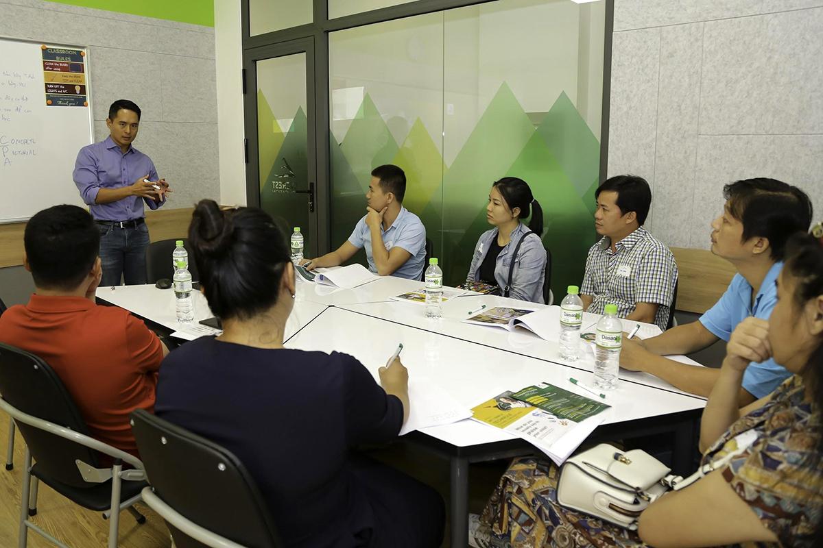 Hội thảo miễn phí dành cho cha mẹ do ông Tony Ngo - Chủ tịch và đồng sáng lập Everest Education làm diễn giả.