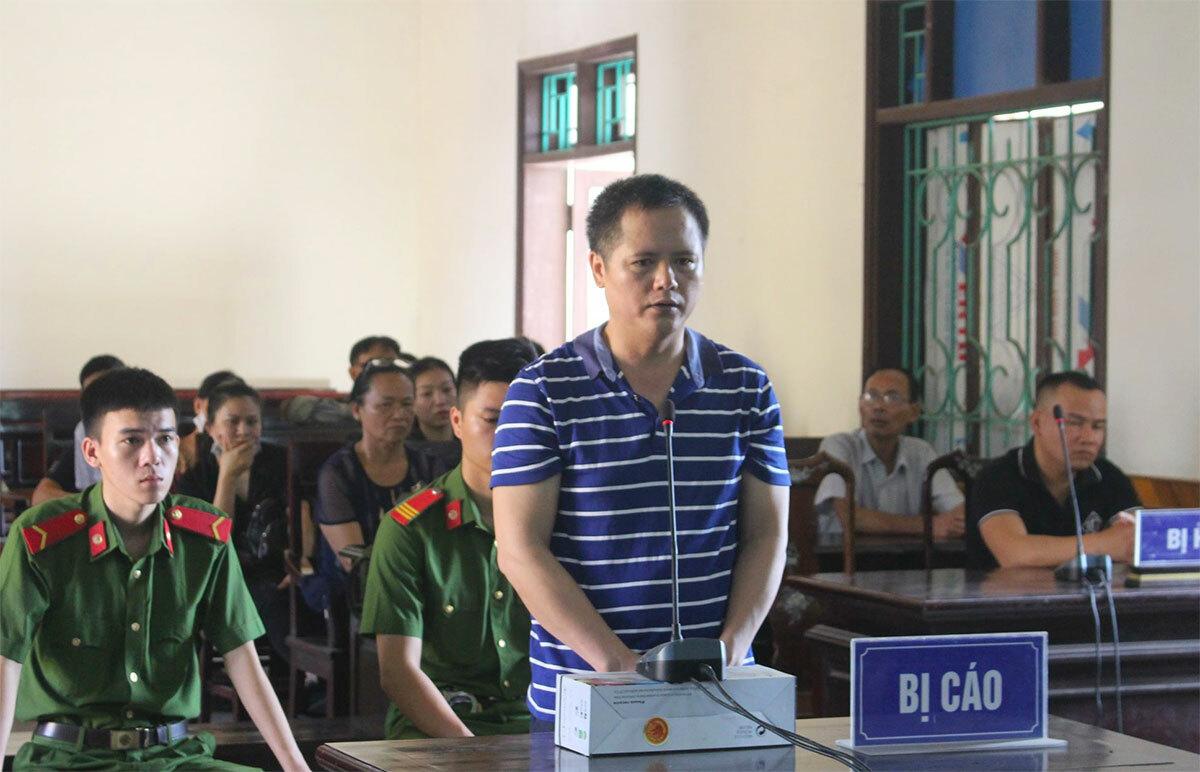 Bị cáo Chiến tại phiên xử sáng 21/5. Ảnh: Đức Hùng
