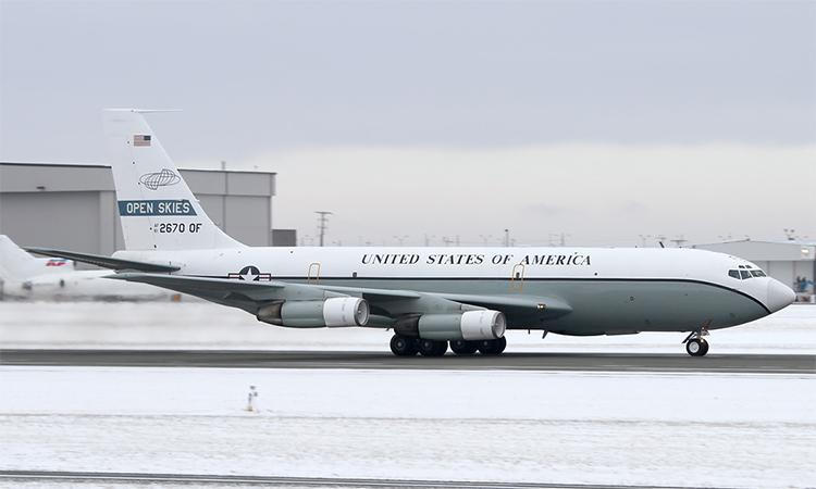 Trinh sát cơ tham gia hiệp ước Bầu trời mở Boeing OC-135B của Mỹ tại sân bay quốc tế Halifax - Robert L Stanfield,  Nova Scotia, Canada, tháng 1/2015. Ảnh: Airliners.