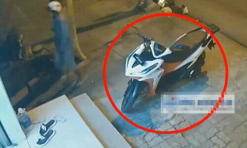 Màn trộm xe bất thành của tên trộm hậu đậu - 2