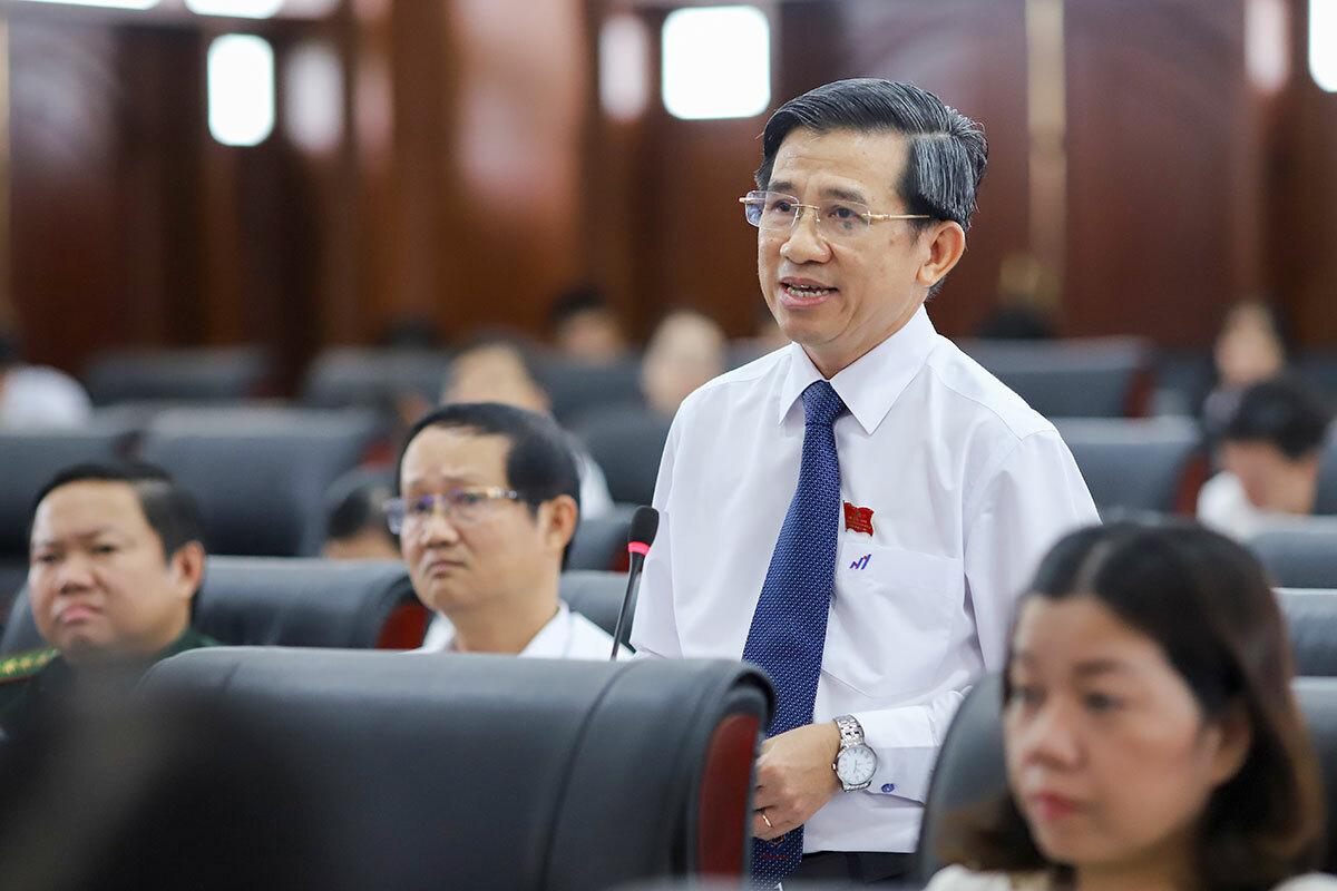 Đại biểu Nguyễn Đức Trị tham gia ý kiến tại kỳ họp. Ảnh: Nguyễn Đông.