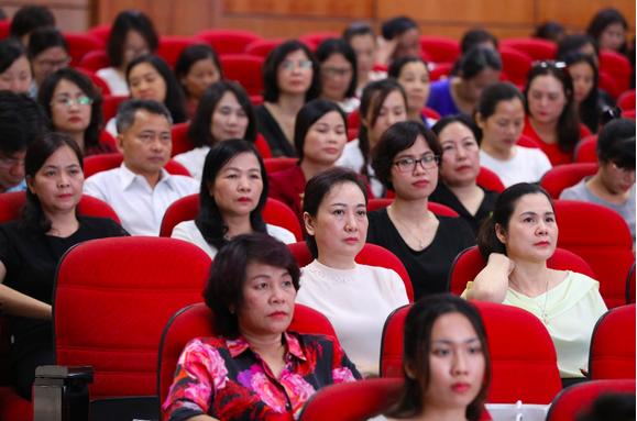 Hội nghị có sự tham dự của các đại diện Sở, Ngành, Phòng Giáo dục và đại diện các trường mầm non và tiểu học trên địa bàn Hà Nội.