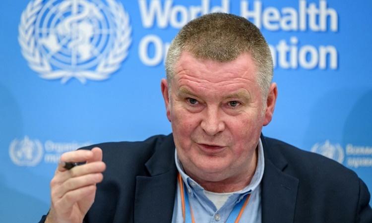 Quan chức phụ trách chương trình phản ứng khẩn cấp của WHO Mike Ryan. Ảnh: AFP.
