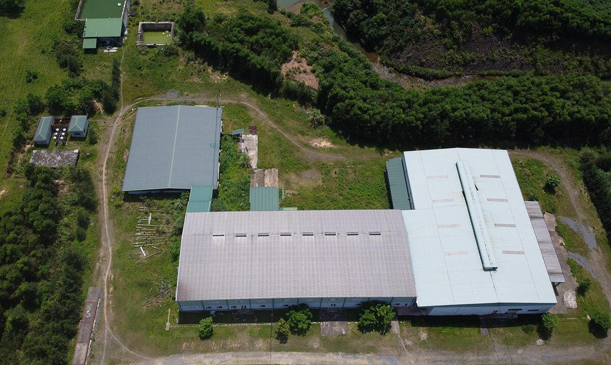 Nhà máy chế biến súc sản Mitraco bỏ hoang gần 2 năm nay. Ảnh: Đức Hùng