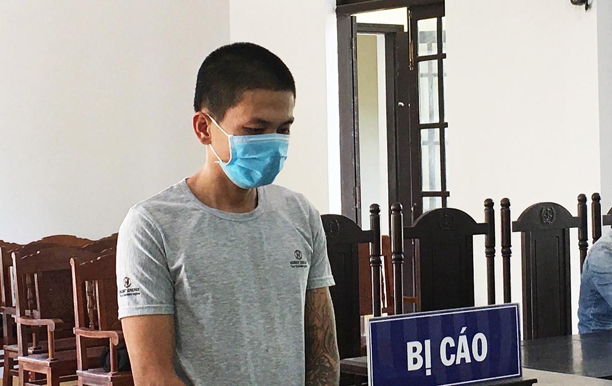 Nguyễn Trung Thành tại phiên xét xử sơ thẩm chiều 25/5. Ảnh: Đắc Thành.