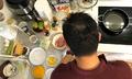 Anh giám đốc thích nấu cơm cho vợ