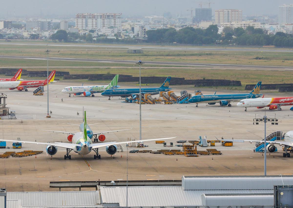 Sân bay Tân Sơn Nhất trong thời điểm giãn cách xã hội do dịch Covid-19. Ảnh: Quỳnh Trần.
