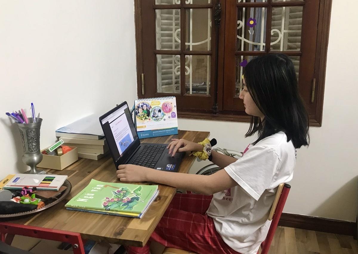 Học sinh trường Phổ thông song ngữ liên cấp Wellspring Hà Nội học online khi nghỉ học phòng Covid-19. Ảnh:Wellspring